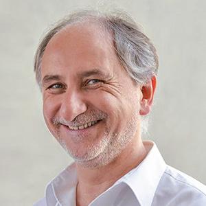 Dr. Arno J. Knittel
